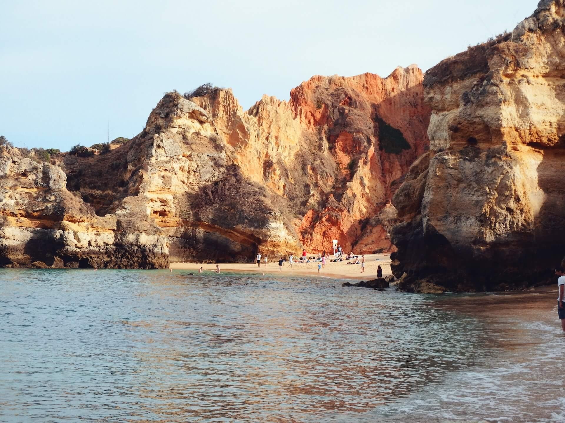 Praia do camilo, Algarve, Portugal | Moon & Honey Travel