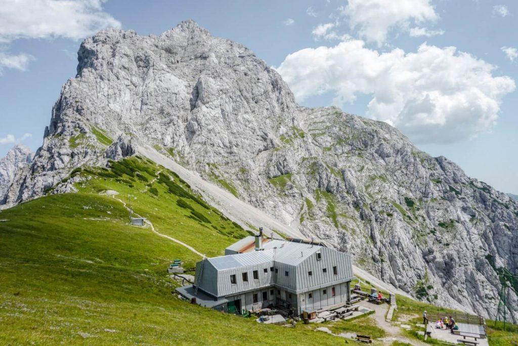 Kamniška koča na Kamniškem sedlu, Hiking Kamnik-Savinja Alps, Slovenia, 4 Day Hiking Tour | Moon & Honey Travel