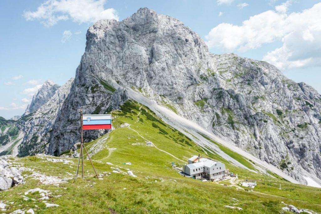 Kamniška koča na Kamniškem sedlu, Hiking Kamnik-Savinja Alps, Slovenia | Moon & Honey Travel