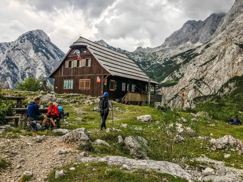 Češka koča na Spodnjih Ravneh, Hiking Kamnik-Savinja Alps, Slovenia, 4 Day Hiking Tour | Moon & Honey Travel