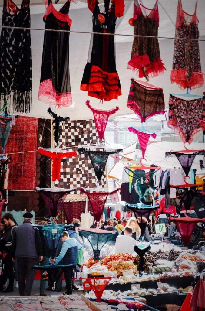 Istanbul Travel Guide - Beşiktaş Saturday Market