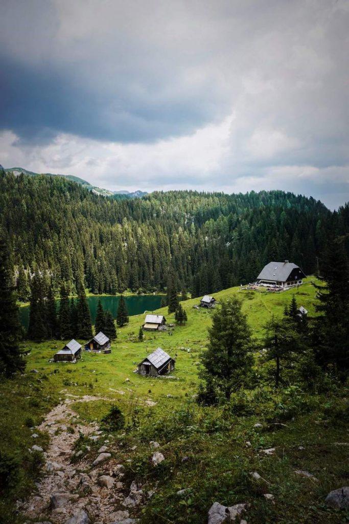 Koča na Planini pri Jezeru, Hiking Julian Alps
