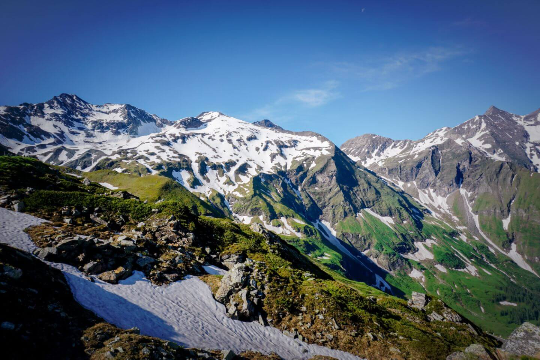 Hohe Tauern Nationalpark, Frühsommer, Schneereste entlang der Großglockner Hochalpenstraße