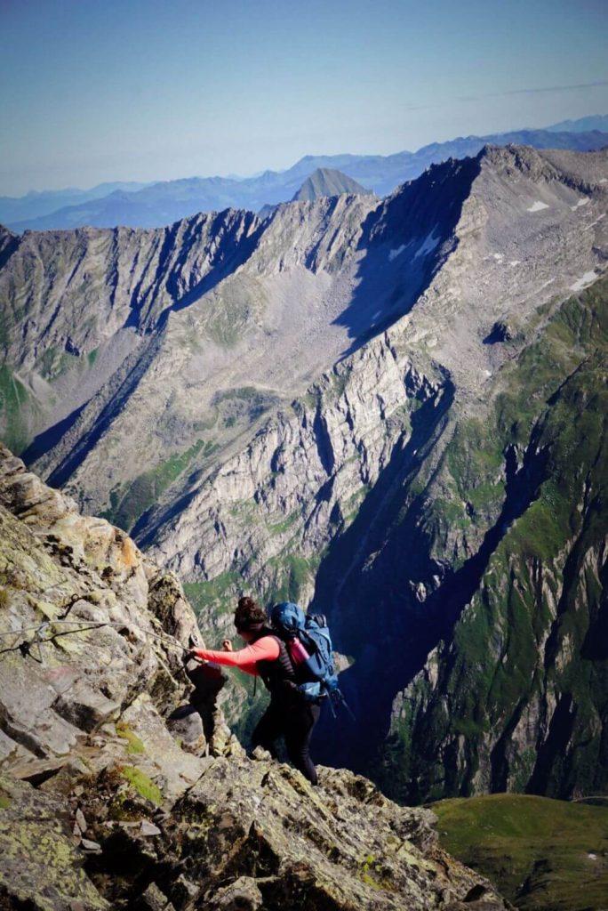 Versicherter Steig beim Abstieg vom Schönbichler Horn zur Berliner Hütte