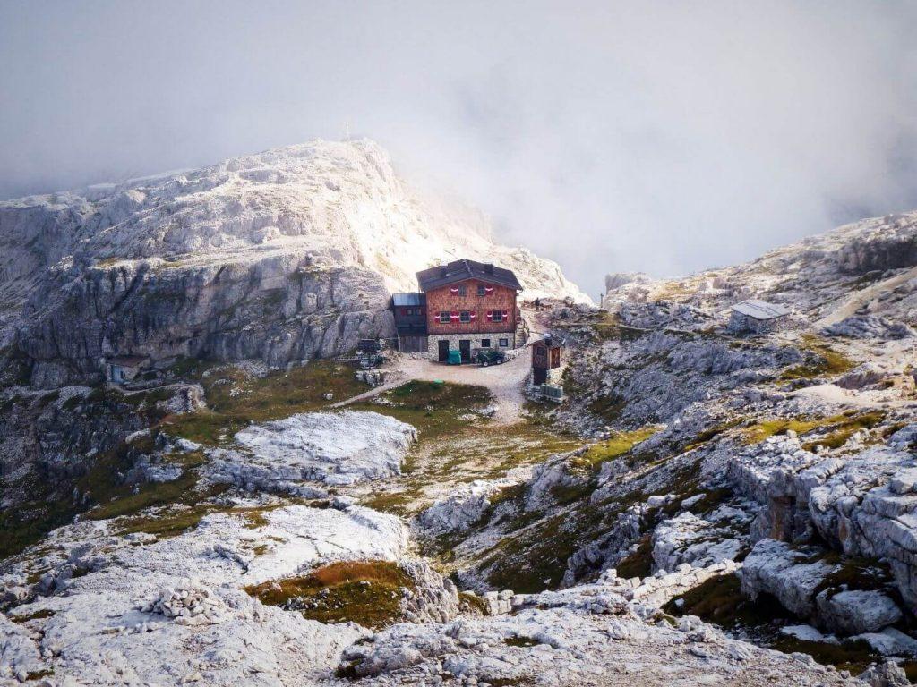 Büllelejochhütte (Rifugio Pian di Cengia), Trekking Tre Cime di Lavaredo - Hut to Hut