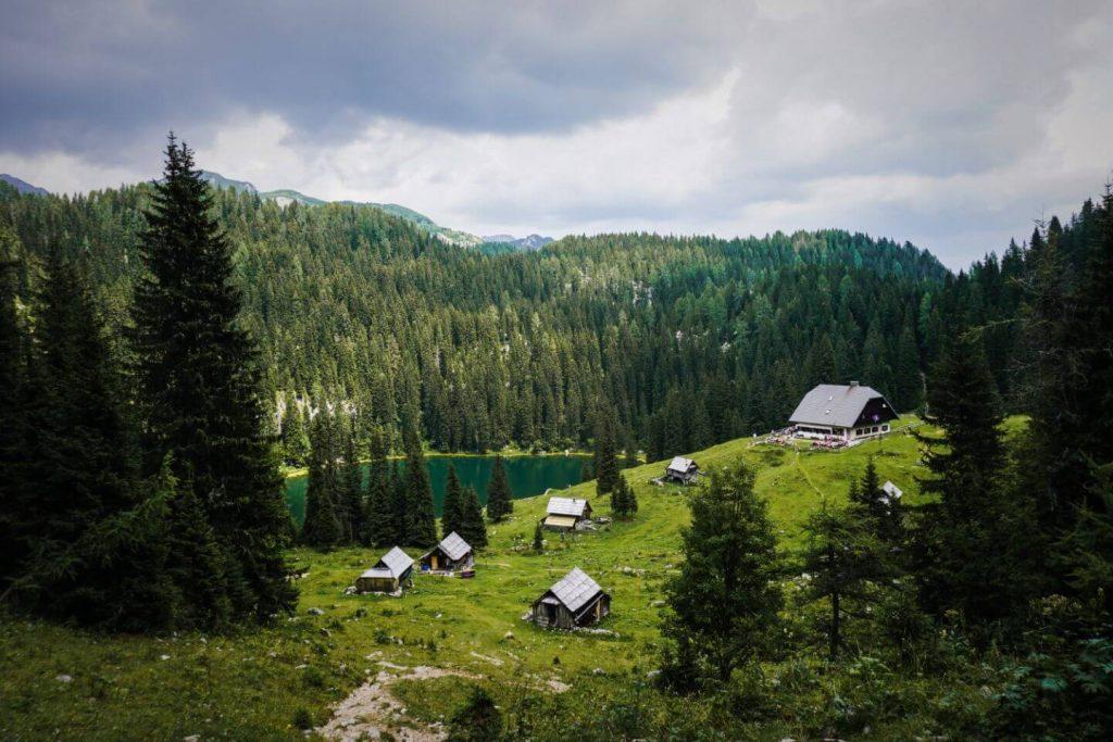 Koča na Planini pri Jezeru, Slovenia hiking trails