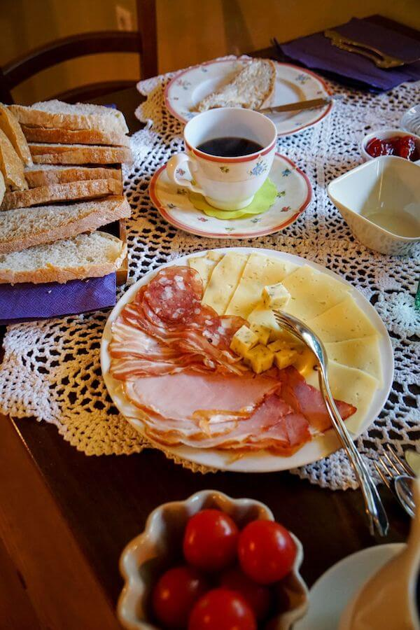 Breakfast at Lenar Farm, B&B in Logar Valley