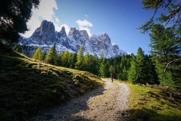 Rifugio Genova (Schlüterhütte) Day Hike in Puez-Odle Nature Park, Val di Funes, Dolomites