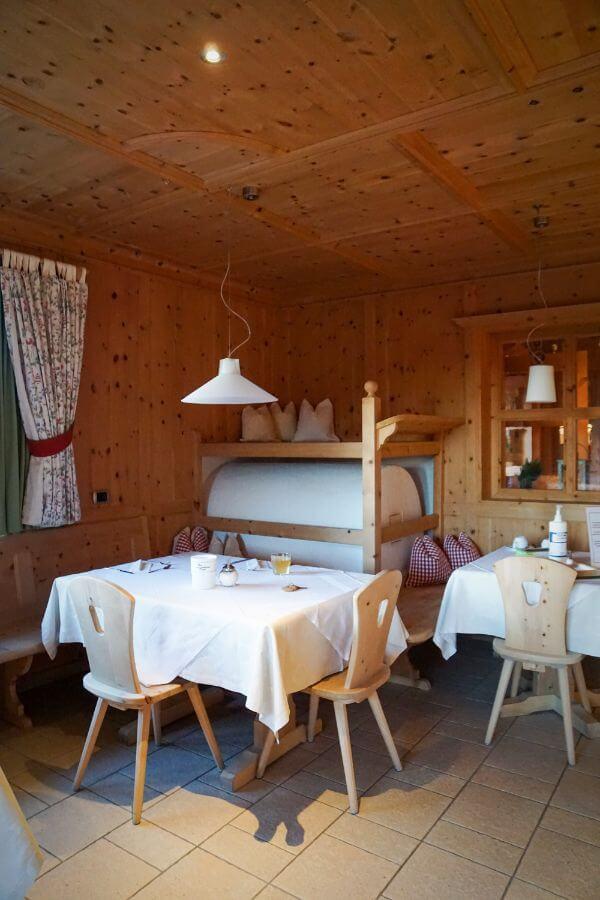 Ütia de Börz Breakfast Room, Alta Badia