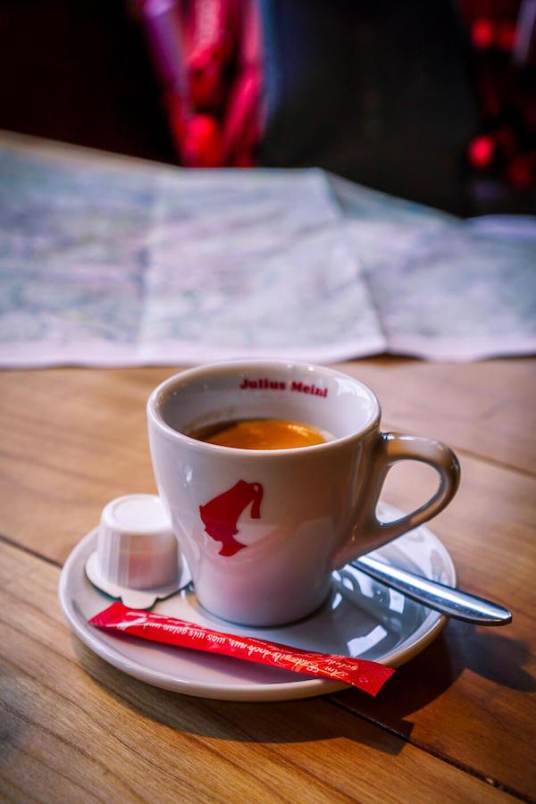 Julius Meinl Espresso in Berghütte, Österreich