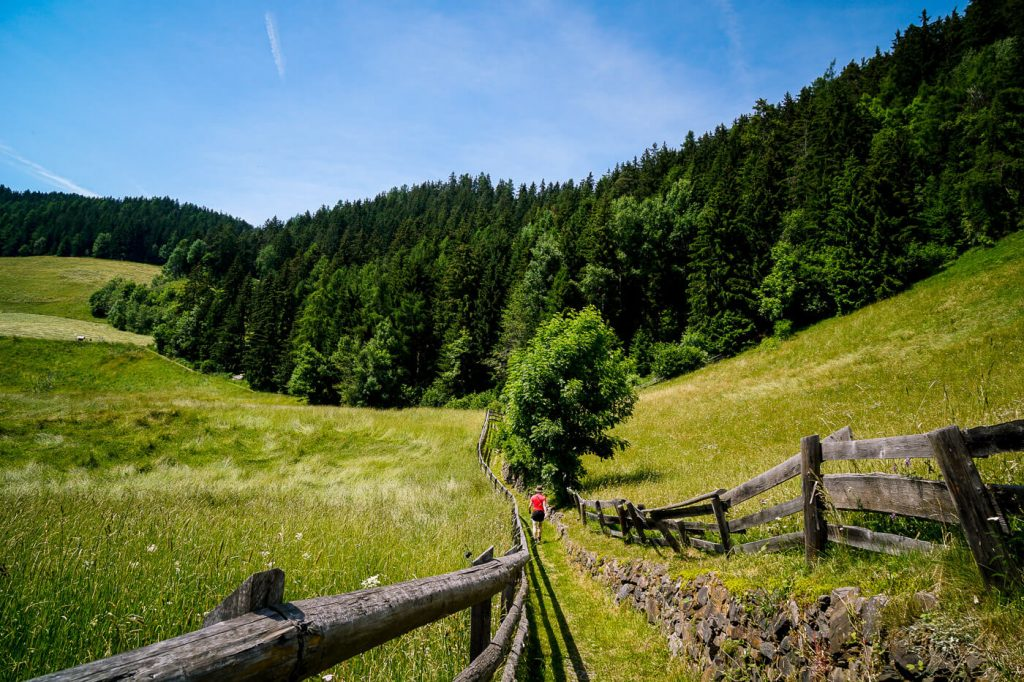 Bergbauernweg, Santa Maddalena, Val di Funes, Dolomites