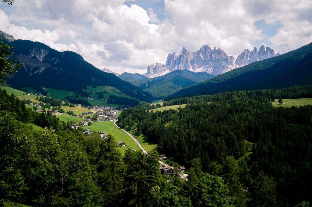 Panoramaweg Trail, Santa Maddalena, Val di Funes, Dolomites