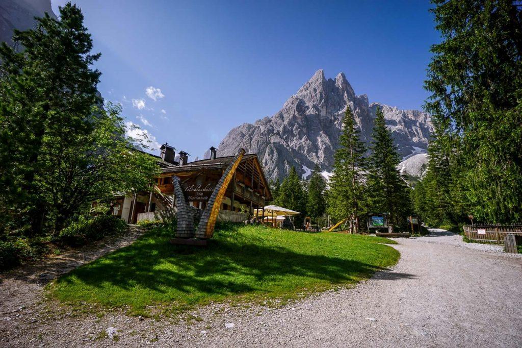 Rifugio Fondo Valle/Talschlusshütte, Val Fiscalina, Dolomites
