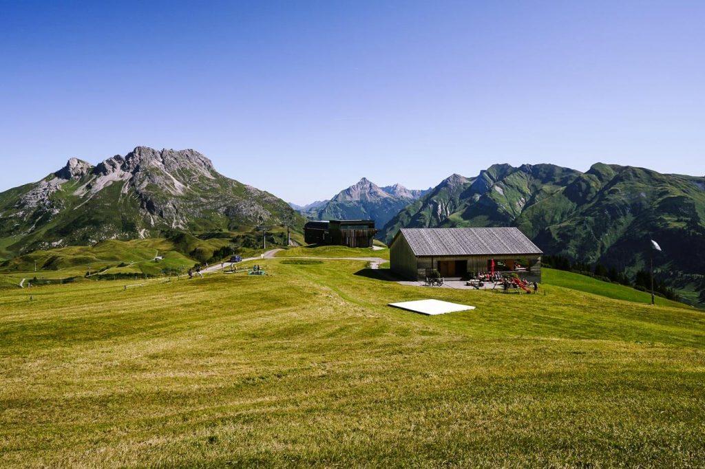 Der Wolf, Petersboden, Lech am Arlberg, Austria